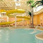 関西・大阪の屋内プールでウォータースライダーが楽しめる施設6選!