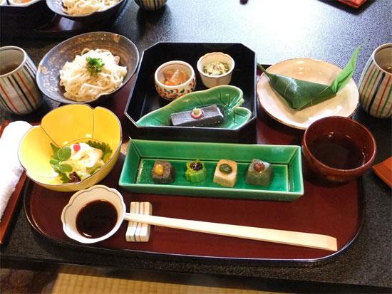 hi lu w04 京都東山観光に便利なランチが楽しめるおすすめ店7選!【和食編】