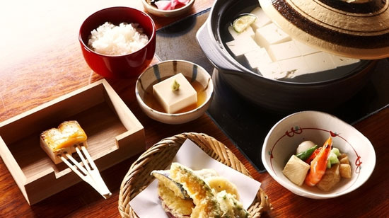 hi lu w07 京都東山観光に便利なランチが楽しめるおすすめ店7選!【和食編】