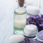 ニキビや敏感肌におすすめの通販で買える化粧水4選!