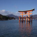 厳島神社の所要時間や観光時間は?ライトアップまでの時間潰し情報も!