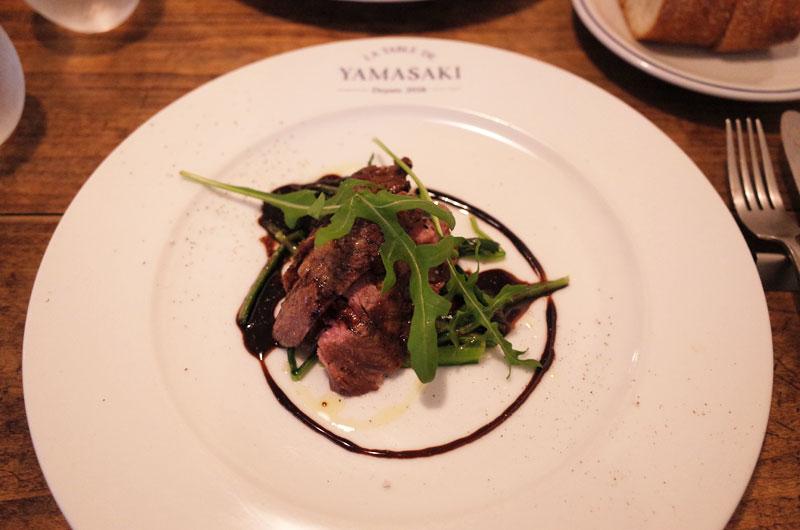 ラターブルドヤマサキ メインは牛肉の炭火焼